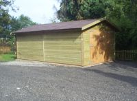 12ft x 20ft Single garage with brown felt tiles.