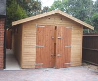 Single garage with standard double doors