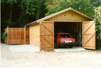 10 x 20 Garage with standard doors and green felt